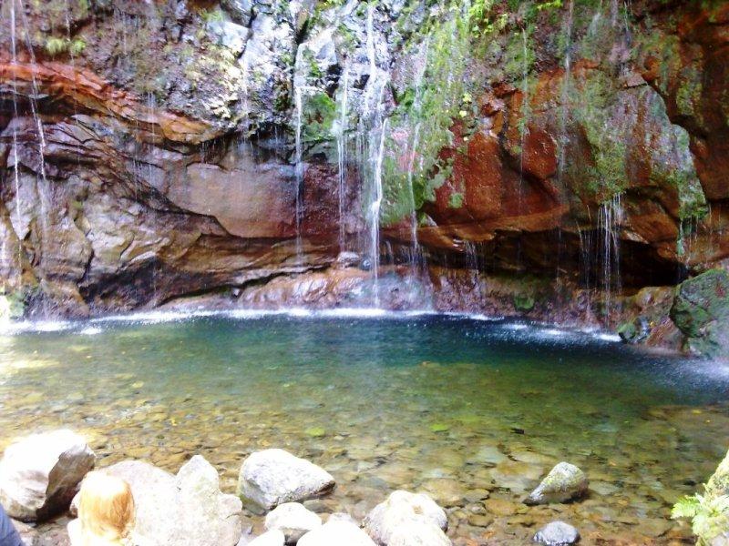Calheta - Levada das 25 Fontes e Risco